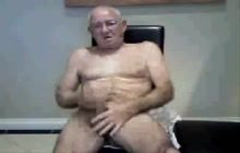 Mature stroker on webcam