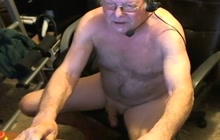 Daddy jerks off for the cam