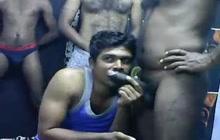4 Indian friends have fun