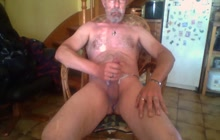 Mature gay dude jerking off