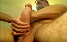 Hot daddy jerking off in solo show
