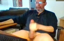 Daddy jerks off for you